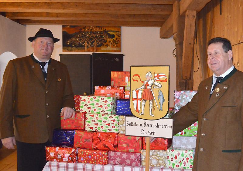 Veteranen-Geschenke-bei-der-Tafel-1