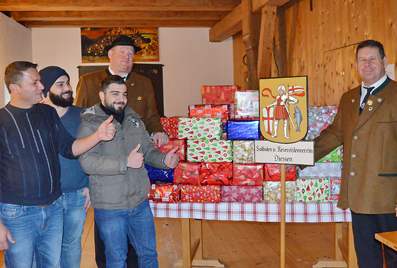 Veteranen-Geschenke-bei-der-Tafel-2