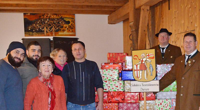 Veteranen-Geschenke-bei-der-Tafel-3